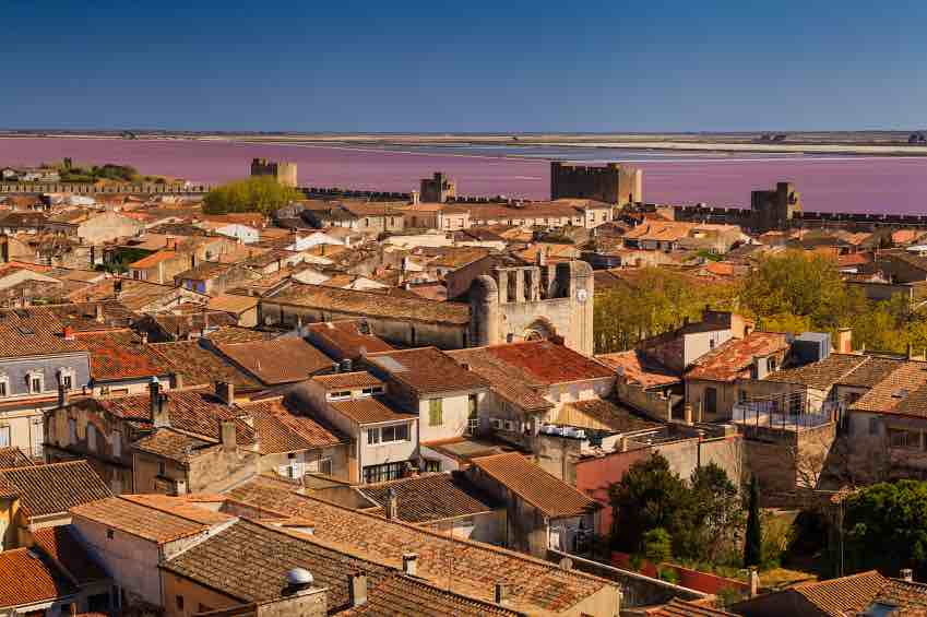 guide-vacances-aigues-mortes.jpg (Ancient beautiful city in France. Languedoc....
