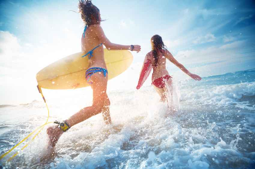 surf-anglet.jpg (Ladies surfers)