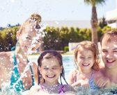 Baignade avec des enfants: les bons gestes à adopter