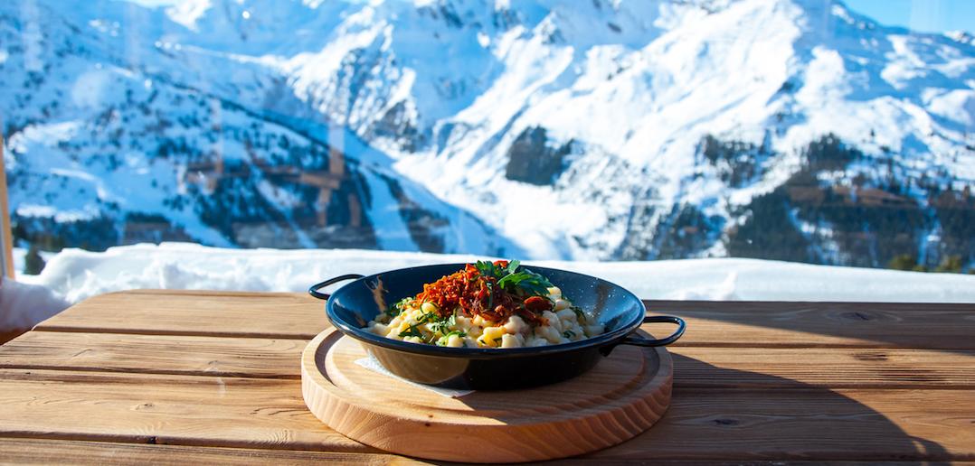 Bien manger au ski: que mettre dans l'assiette pendant des vacances à la montagne?