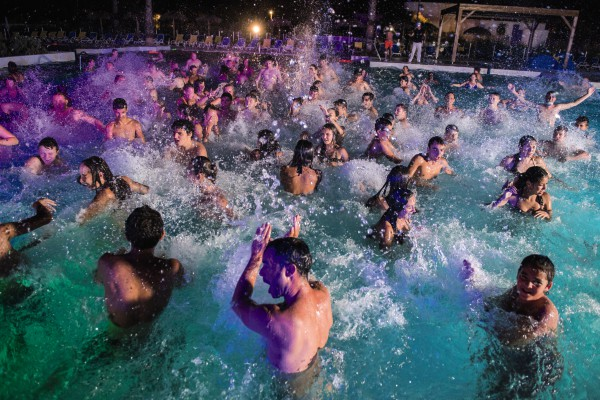 pool party by night